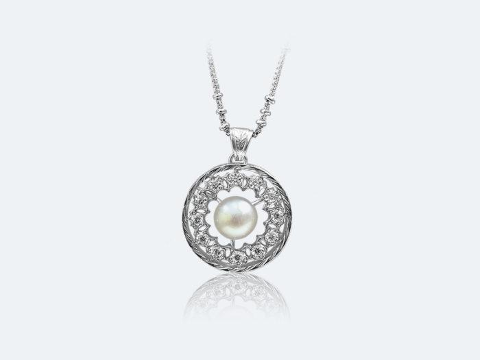 フィレンツェ透かし彫りの真珠ペンダント